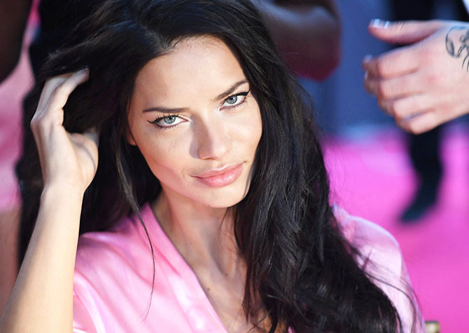 Burcunuza Göre Etkileyici Yılbaşı Makyajı Önerileri
