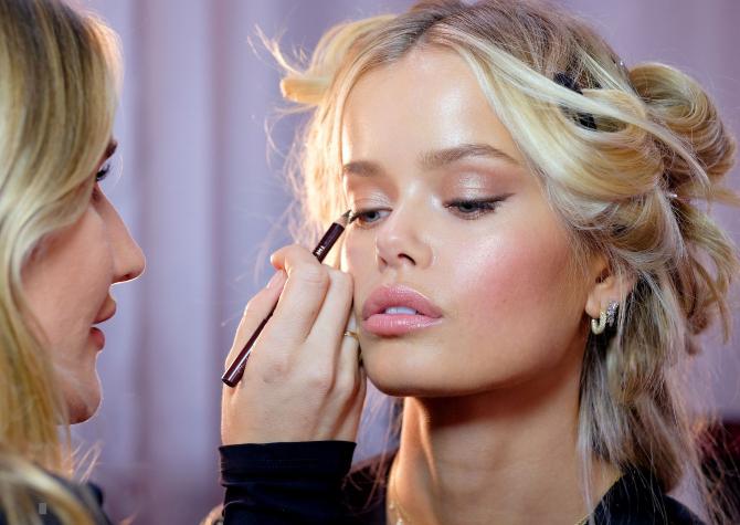 Kasım 2020'de Işıltınızı Artıracak En Yeni Makyaj Ürünleri