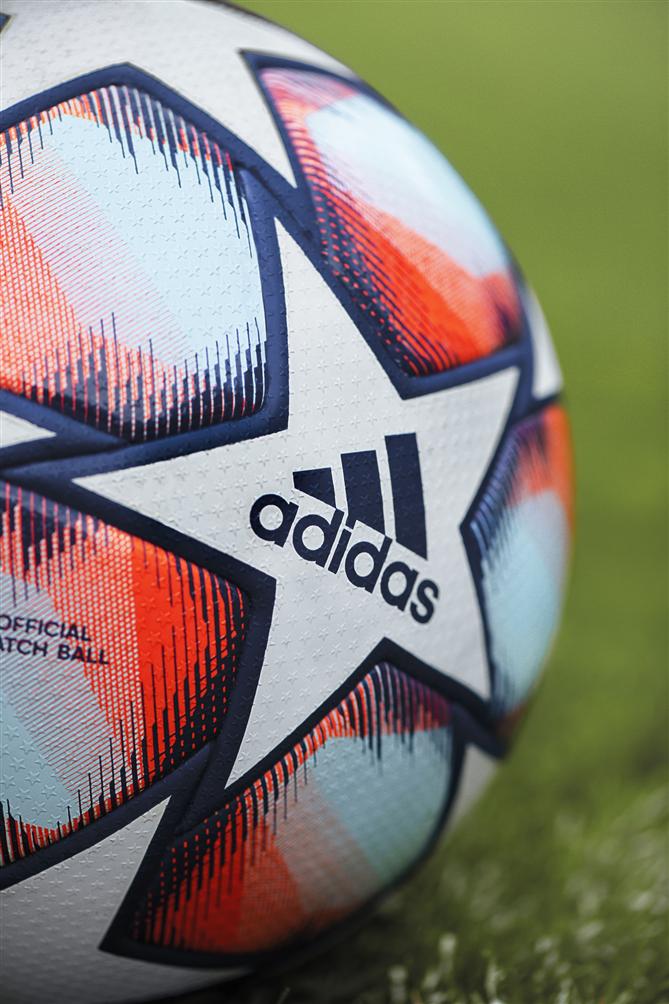 2020/21 UEFA Şampiyonlar Ligi Adidas'ın İkonik Yıldız Topuyla Oynanacak
