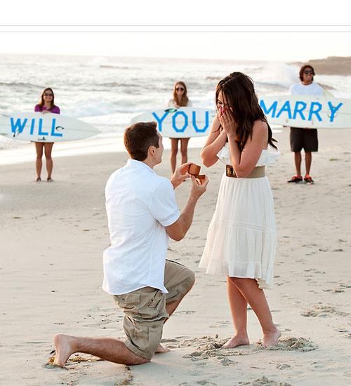 365 Gün Boyunca Sevgilisine Evlenme Teklifi Eden Adam