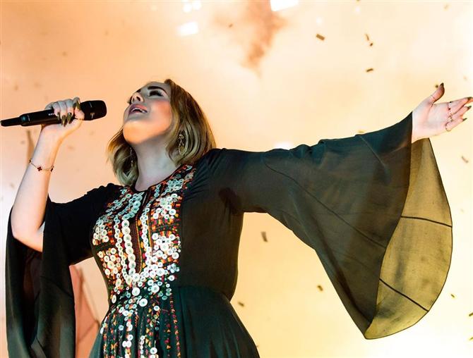 Adele'den Yeni Albümün Yayını Hakkında Güncelleme