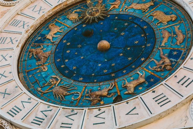 Akrep Yeni Ayında Bizleri Neler Bekliyor?