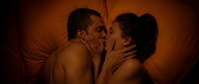 Araştırmaya Göre Spotify'da Seks Yaparken En Çok Dinlenen 10 Şarkı!