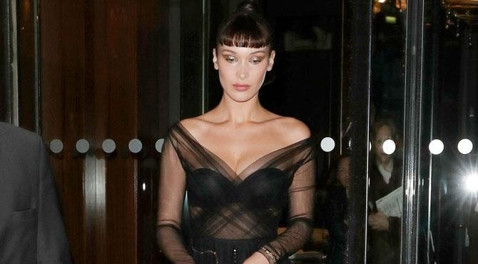 Bella Hadid Sürrealist Dior Balosu'nda