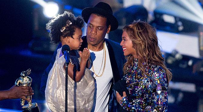Beyonce ve Jay Z İkiz Bebeklerine 6 Dadı Tuttu