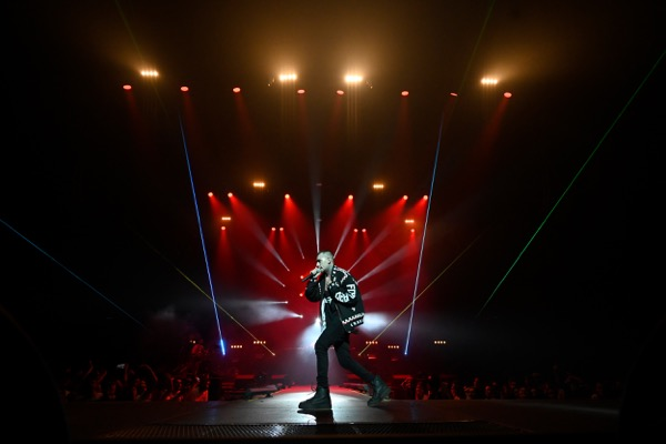 Birlikte Güzel Sunar: Ezhel'den Olay Konser