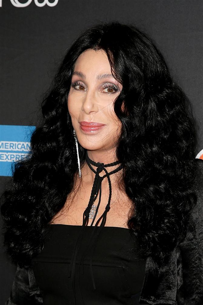 Cher'den Cinsiyetsiz Parfüm