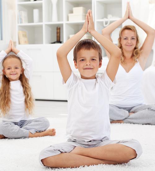 Çocuklarınıza nasıl yoga yaptıracağınızı öğrenin