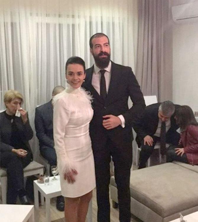 Hande Soral Ve Ismail Demirci Nişanlandı Trenduscom