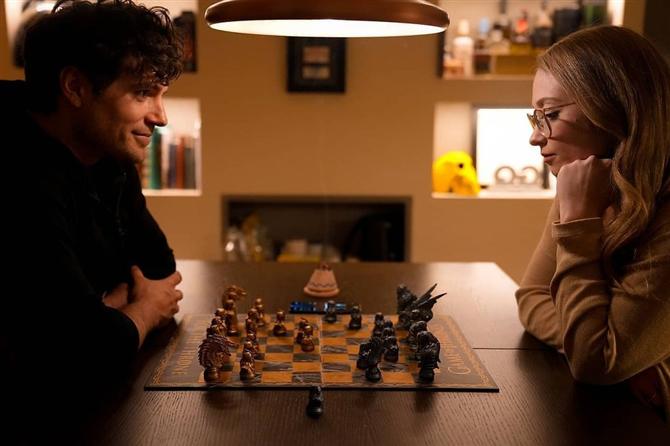 Henry Cavill, Sevgilisi Natalie Viscuso ile Bir Fotoğraf Paylaştı