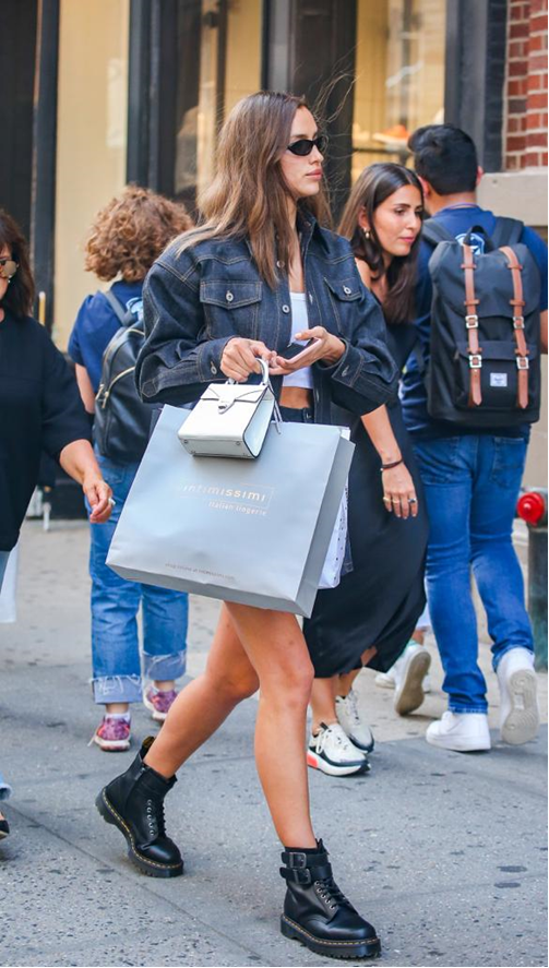 Irina Shayk New York'ta Alışveriş Yaparken Görüntülendi