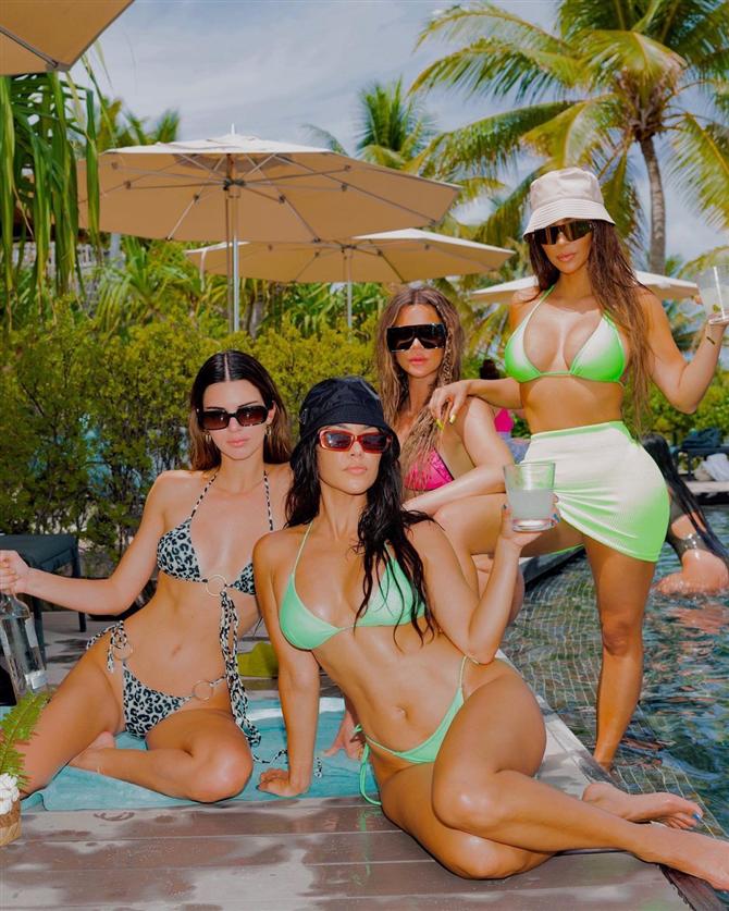Kardashian Ailesi Hulu'da Yeni Bir Programa Başlıyor