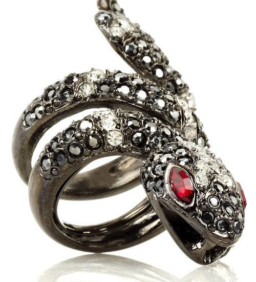 Kenneth Jay Lane yılan yüzüğü