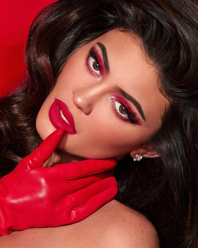 Kylie Jenner Şirketinin %51'lik Hissesini Satıyor