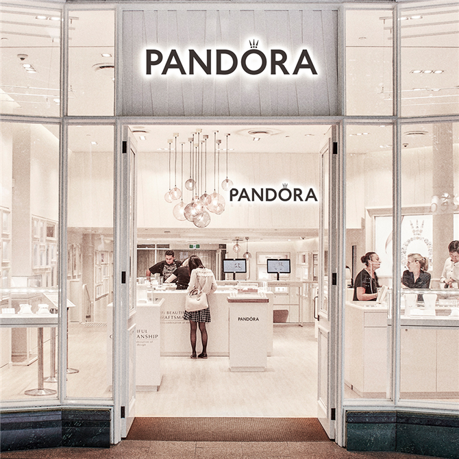 Pandora Mağazaları Geri Dönüyor!