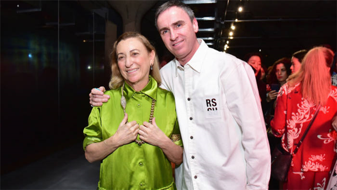Prada'nın Yeni Kreatif Direktörü Raf Simons Oldu