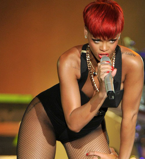Rihanna kızıl saçlı oldu