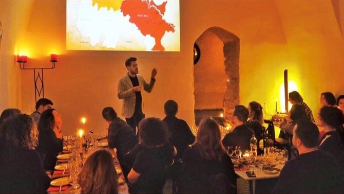 Şapel'de Mayıs Ayı Konusu: Yeni Dünya Şarapları