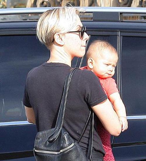 Scarlett Johansson`ın bebeği ilk defa görüntülenti