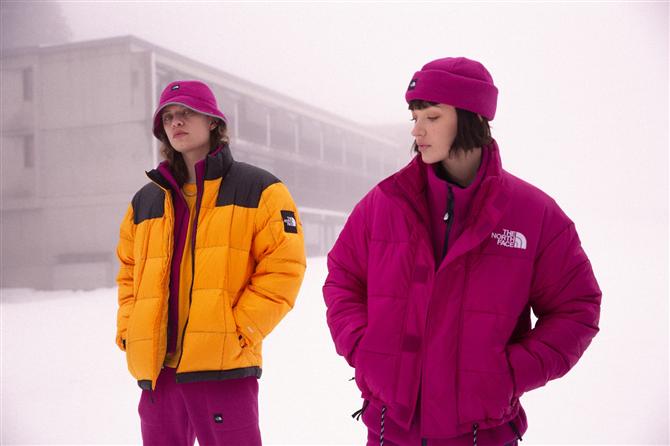 """The North Face """"Snow Rogue"""" Ekstrem Sporların İlk Zamanlarından İlham Alıyor"""