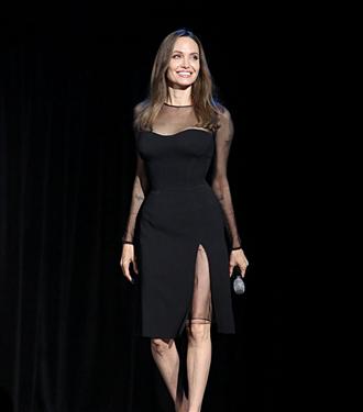 Angelina Jolie Maleficent: Mistress of Evil Filminin Tanıtımında Büyüledi