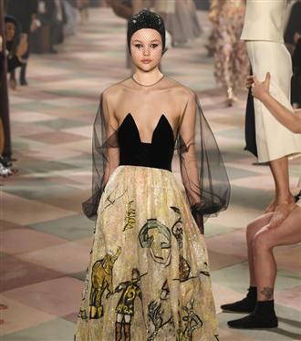 christian-dior-couture-s-s-2019-defile-gorunumleri-40594-22012019094059.jpg