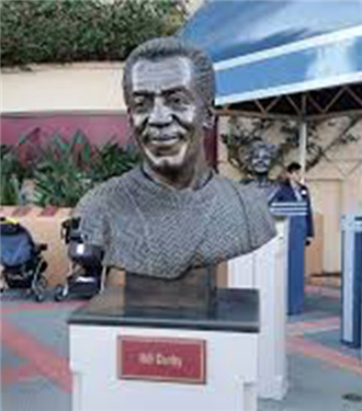 Disney Bill Cosby büstünü kaldırdı