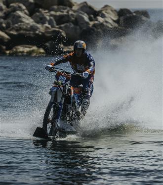 Dünyaca Ünlü Motosiklet Performans Sanatçısı Robbie Maddison İstanbul'da Keşifte