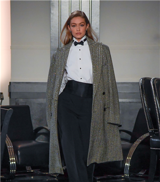 Feminen ve Maskülen Detayların Buluşması: Ralph Lauren Sonbahar/Kış 2020