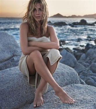 Jennifer Aniston`ın parfümü Lolavie çıkıyor