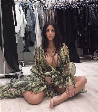 Kim Kardashian'ın Unutulmaz Kıyafet Odası Fotoğrafları