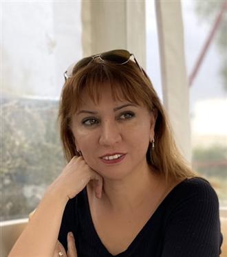 Yazar Rabia Burhan ile 'Bir Gecelik Gelin Çiçeği' Romanı Hakkında Söyleşi