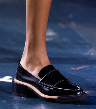 Rahat ve Şık Düz Ayakkabılarla Stilinizi Tamamlayın
