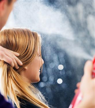Saç Spreyinin Hiç Duymadığınız Dört Kullanım Şekli