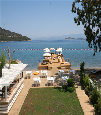 The Marmara Bodrum misafirlerine plaj keyfi