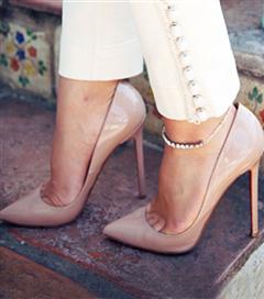Ayaklarda halhal modası