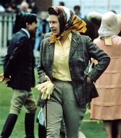 Gençliğinden Günümüze Çarpıcı Stiliyle Kraliçe II. Elizabeth