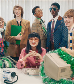 Gucci'den Ofis Partisi Temalı 2020 Yılbaşı Çekimi