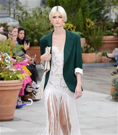 New York Moda Haftası'da Öne Çıkan Gelinlikler