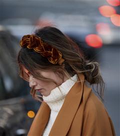 Paris Moda Haftası Sokak Stilinin Dikkat Çeken Saç Modelleri