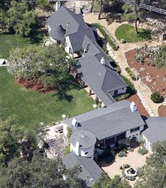 Reese Witherspoon`un Kaliforniya`daki evi
