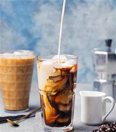 Serin Bir Yaz Geçirmenizi Sağlayacak 3 Leziz Buzlu Kahve Tarifi