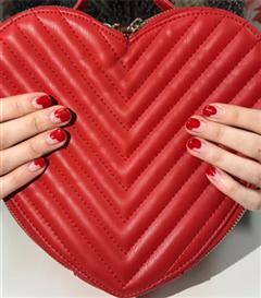 Sevgililer Günü İçin Dikkat Çekici Nail Art Önerileri