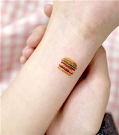 Yemekle Arası İyi Olanların İlgisini Çekecek Dövme Modelleri