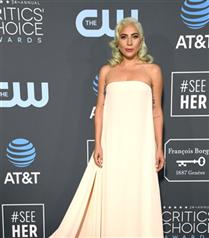 2019 Critics Choice Ödüllerine Beyaz Elbiseler Damga Vurdu