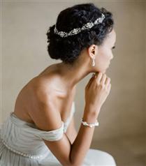 2016 Düğünleri için Saç Önerileri: Taçlar