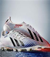 Adidas Leo Messi için krampon tasarladı