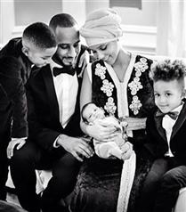 Alicia Keys bebeğinin fotoğrafını paylaştı