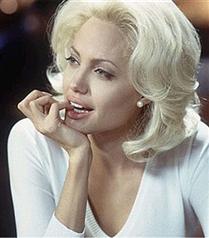 Angelina Jolie Marilyn Monroe olacak