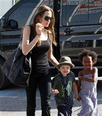 Angelina Jolie: Shiloh benim gibi